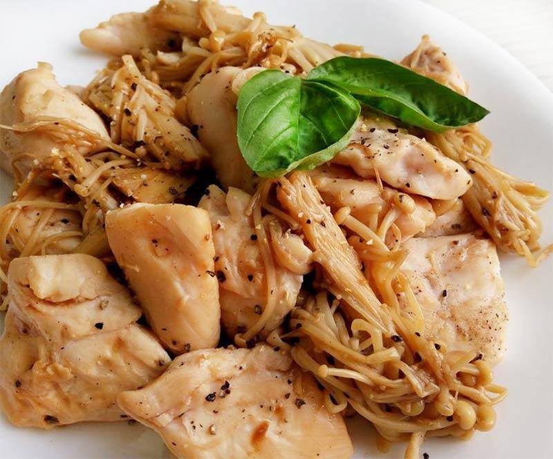 黑胡椒炒菇雞