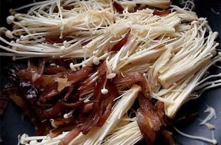 香料炒菇豬2