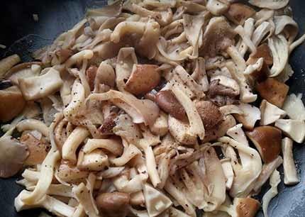蒜味椒鹽菇4