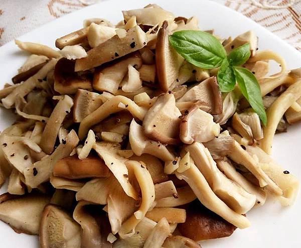 蒜味椒鹽菇