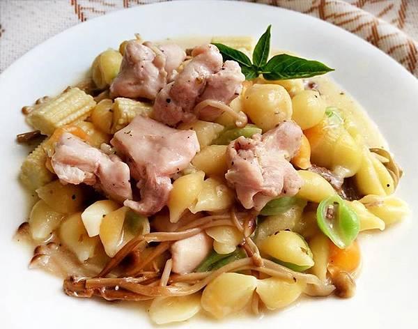 白醬菇雞義大利麵