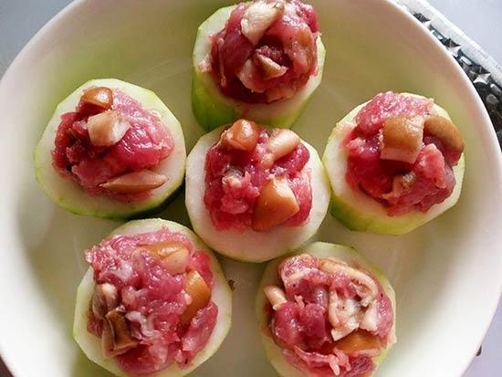 大黃瓜鑲肉3.jpg