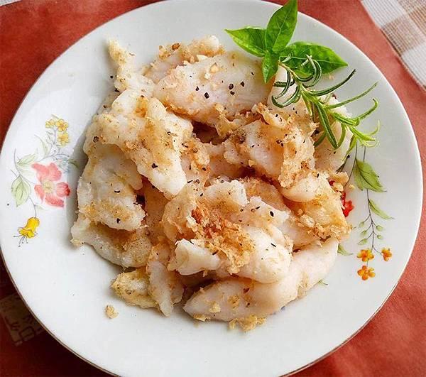 蒜酥魚塊.jpg
