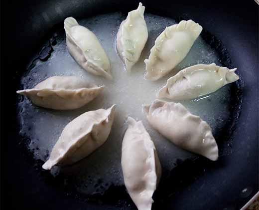 辣味菜心餃4.jpg