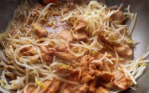 韓式豆芽炒肉片4.jpg