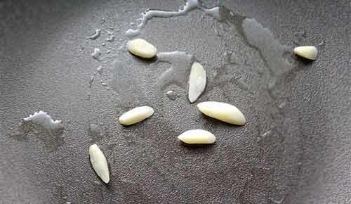 皮蛋炒地瓜葉1.jpg