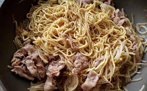 蘑菇醬豬肉炒麵4.jpg