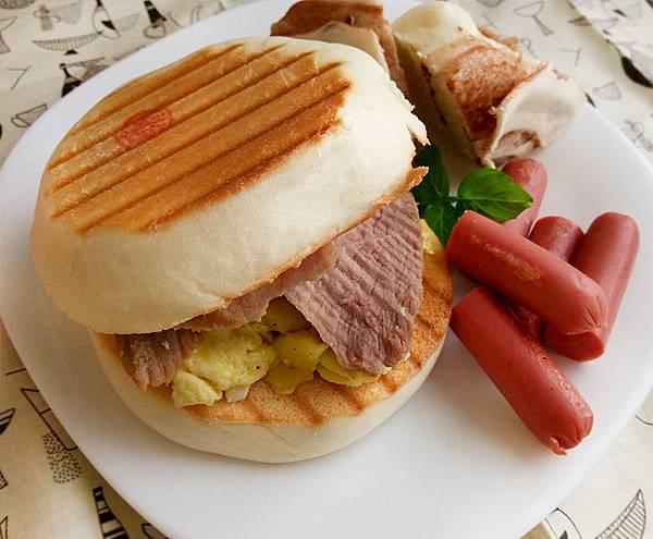 味噌豬熱壓饅頭堡--.jpg