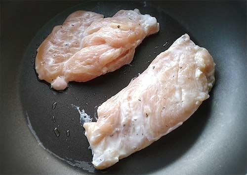 蒜味嫩煎雞胸排3.jpg