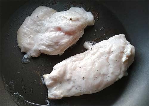 蒜味嫩煎雞胸排4.jpg