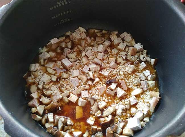 芋頭香菇炊飯3.jpg
