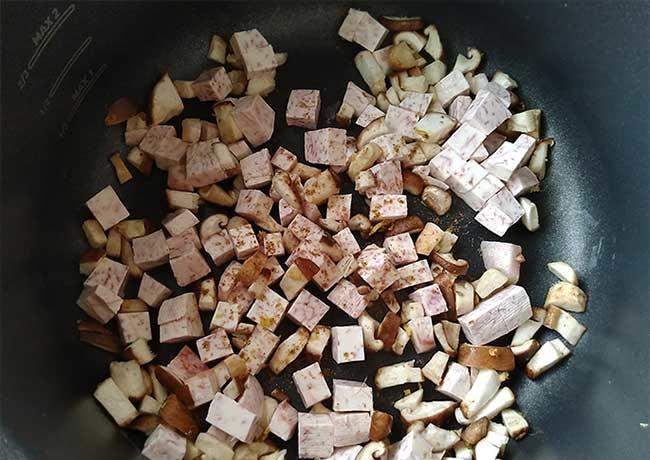 芋頭香菇炊飯2.jpg