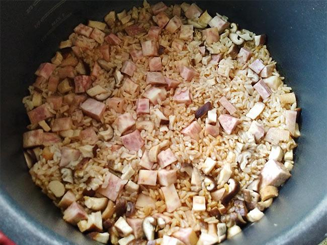 芋頭香菇炊飯6.jpg