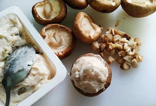 香菇鑲蝦球2.jpg
