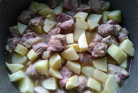 和风马铃薯炖肉3.jpg