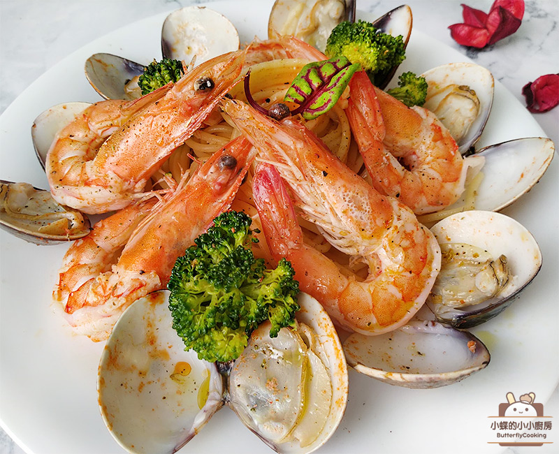 鮮蝦蛤蠣義大利麵-.jpg