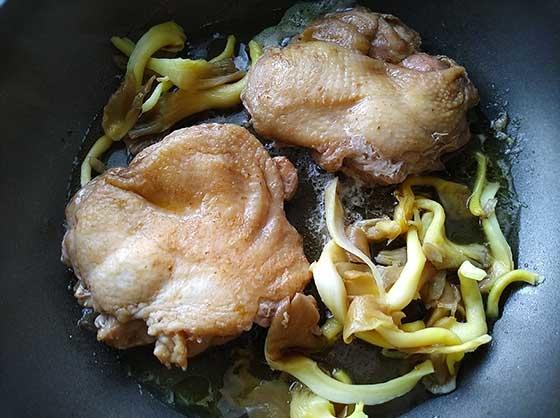 醬燒雞腿排佐菇菇4.jpg