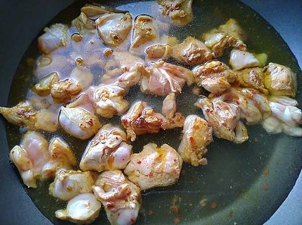 辣味雞肉義大利麵3.jpg