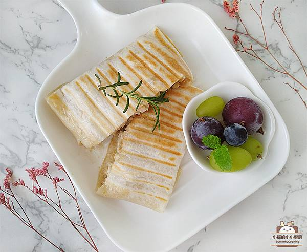 麻醬雞絲壓烤餅.jpg