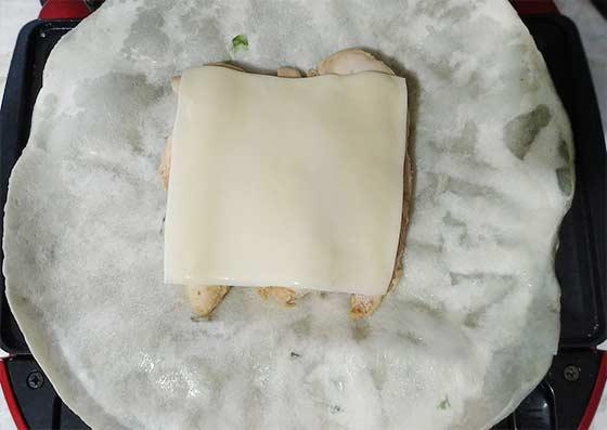 起司柚香雞肉壓烤餅4.jpg