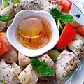 菇菇烤雞丁佐柚香油醋醬-.jpg