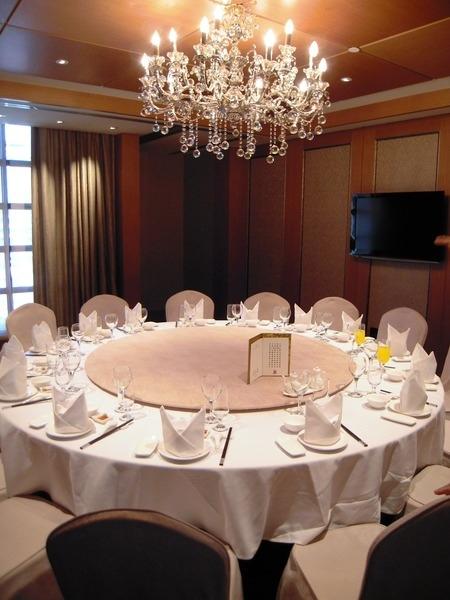 《 酒店兼職工作 》打工兼差最佳選擇:飯局人員