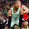 hi-res-185728896-jared-sullinger-of-the-boston-celtics-drives-to-the_crop_exact.jpg