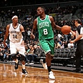 hi-res-184716646-jeff-green-of-the-boston-celtics-drives-against-paul_crop_exact.jpg