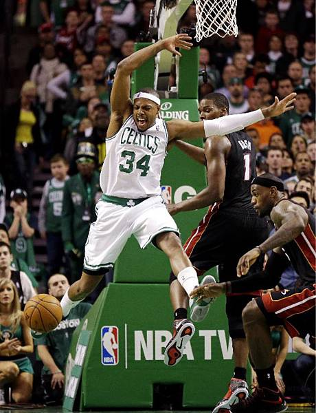 Heat-Celtics-Basketba_Hopk.jpg