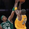 Kobe+Bryant+Paul+Pierce+Boston+Celtics+v+Los+LtIvnj9ziV1l.jpg