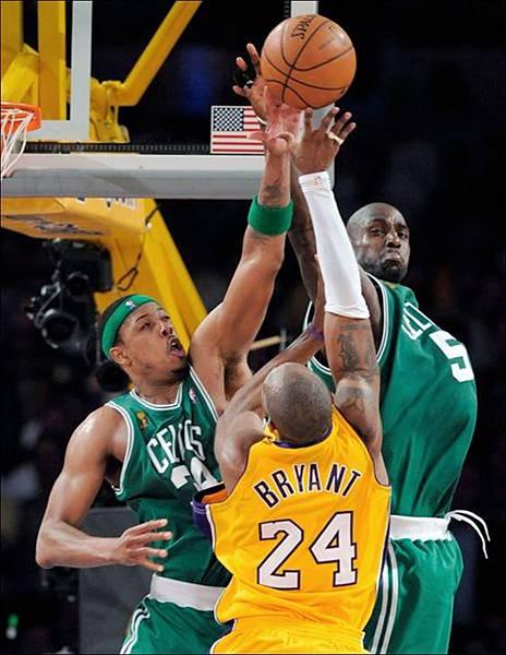 Kobe-Bryant-Paul-Pierce-Kevin-Garnett.jpg