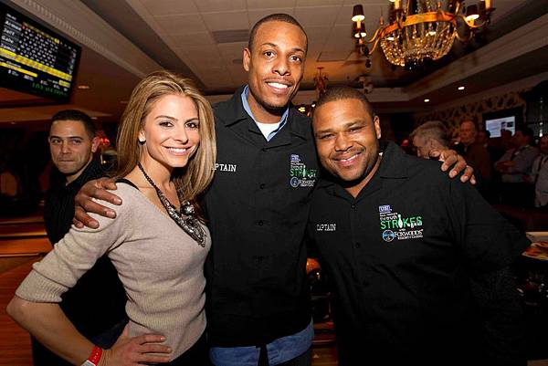 Maria Menounos With Paul Pierce And Anthony Anderson.jpg