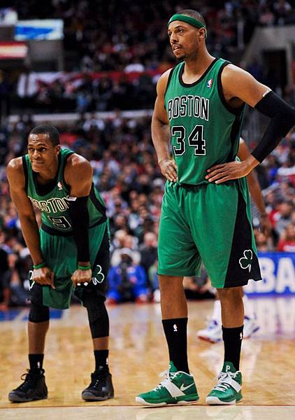 rajon-rondo-foamposite-stealth-paul-pierce-air-max-legacy-3.jpg