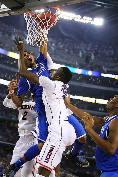 UK_UConn_mbball_4-7-14_05_cw.jpg