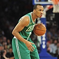 avery_bradley_11_large.jpg
