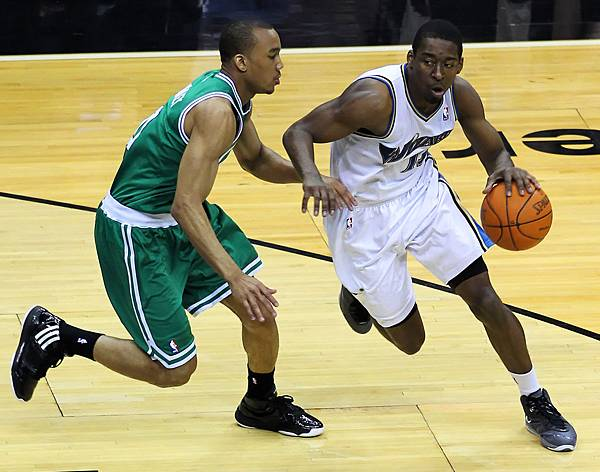 Avery_Bradley_and_Jordan_Crawford.jpg