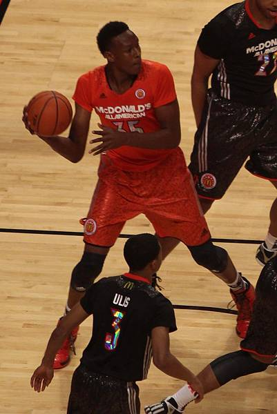 20140402_MCDAAG_Myles_Turner_makes_an_outlet_pass.jpg