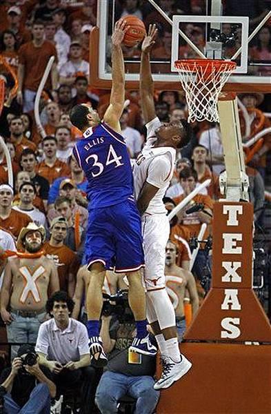 Kansas_Texas_Basketball__skeyser@kcstar_com_1.jpg