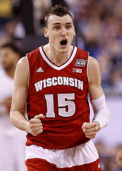 SPORTS%20BKC-WISCONSIN-KENTUC.jpg