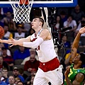 032215-CBK-Wisconsin-Sam-Dekker-shoots-against-Oregon-MM-PI_vresize_1200_675_high_44.png
