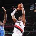 hi-res-453679551-lamarcus-aldridge-of-the-portland-trailblazers-puts-up_crop_exact.jpg