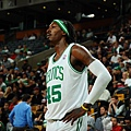 hi-res-185729010-gerald-wallace-of-the-boston-celtics-stands-on-the_crop_exact.jpg