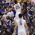 south-carolina-lsu-basketball-b6e7ab1339a6edcc.jpg