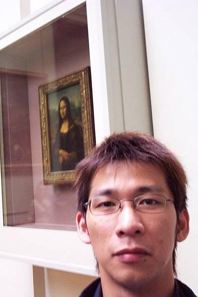 蒙娜麗莎與我合照-羅浮宮三寶之一 O.S