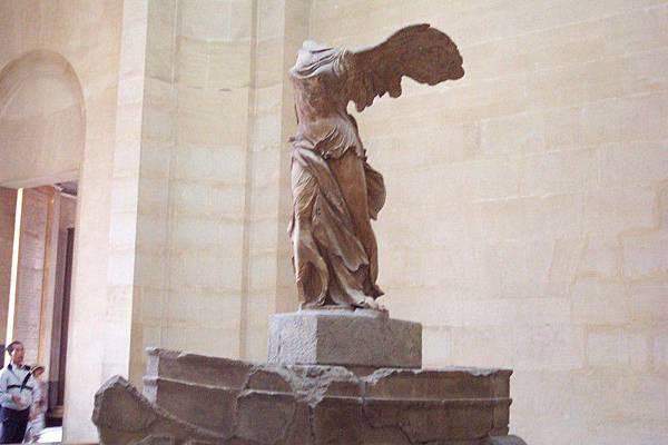 羅浮宮三寶之一  O.S