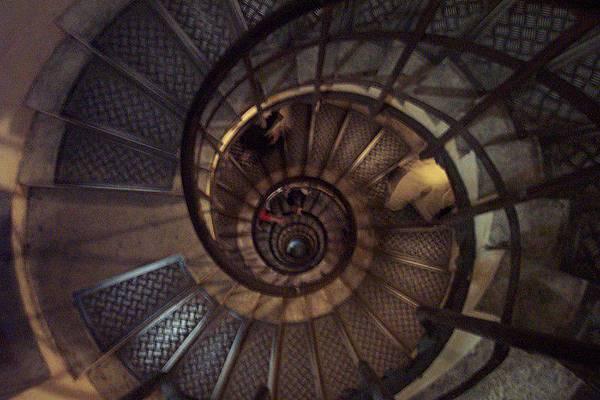 要上凱旋門的旋轉樓梯