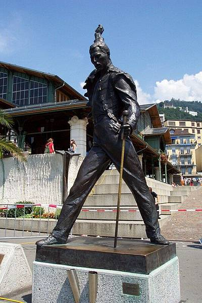 蒙投 Montreux   佛雷迪,馬裘利雕像  O.S