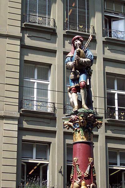 瑞士首都伯恩  Bern -吹風笛者噴泉
