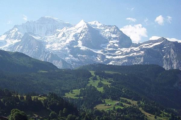 茵特拉根往少女峰的路上