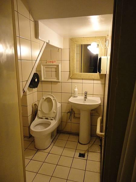 B&O廁所.JPG